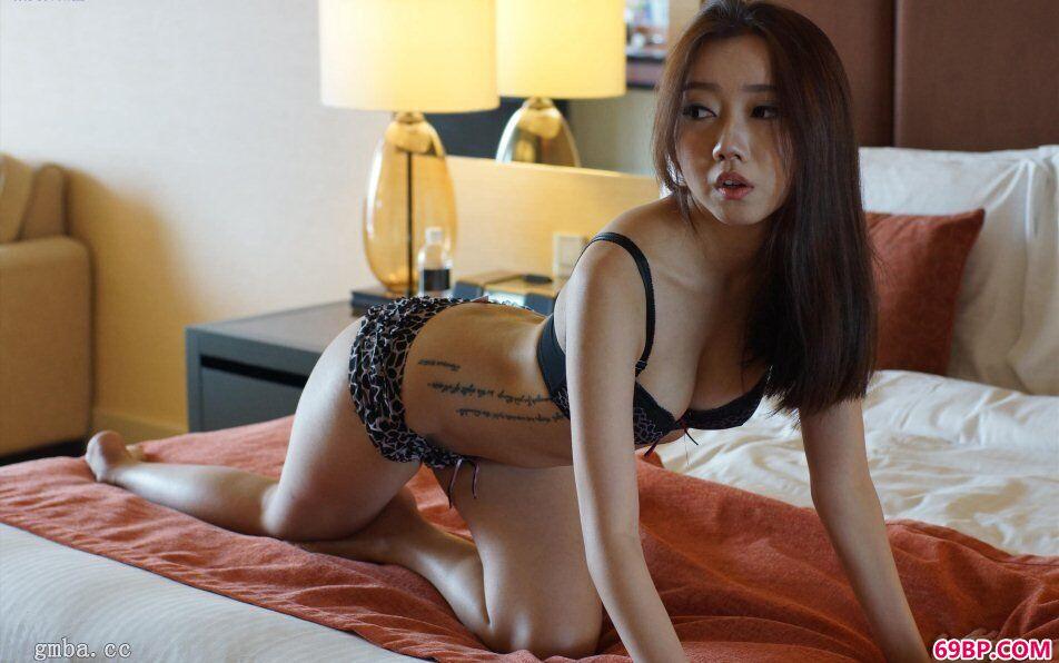 SG国模李洁西私房娇嫩蜜汁鲜鲍鱼人体